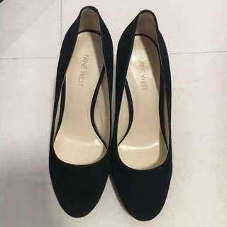 Nine West black pumps heels