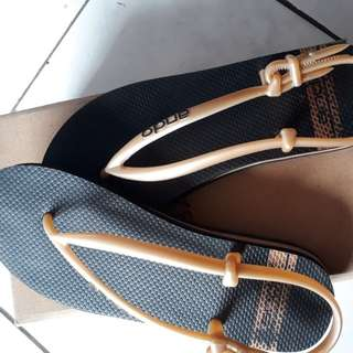 Sandal ando