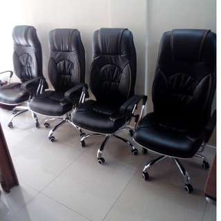 Highback Executive chair Leatherette