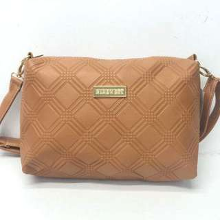 Ninewest sling bag size : 7*10 inches