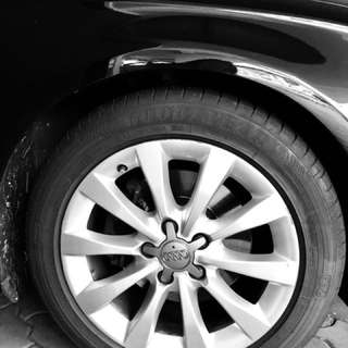 2x 1month old Goodyear tyres for fast sales