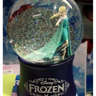 Disney Frozen Elsa Crystal Snow Globe