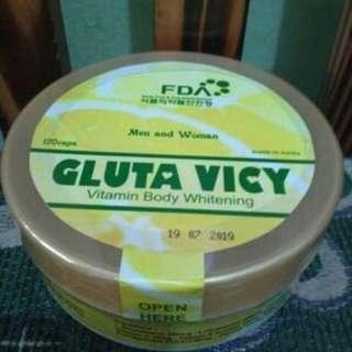 Gluta vicy vitamin pemutih pria dan wanita