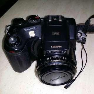 Fuji Finepix S7000 digital SLR