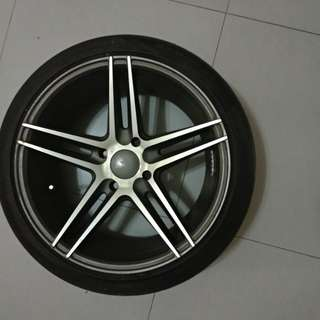 "Vossen 17"" Rims with tyres"