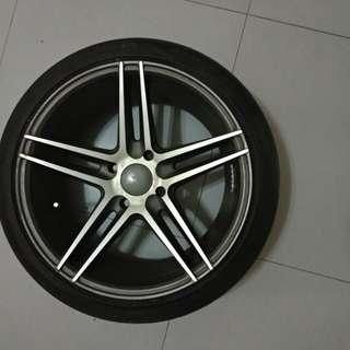 "Vossen 17"" Rims with tyres"