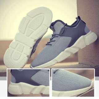 型格灰色運動鞋