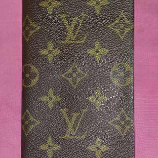 Pre owned LV long wallet