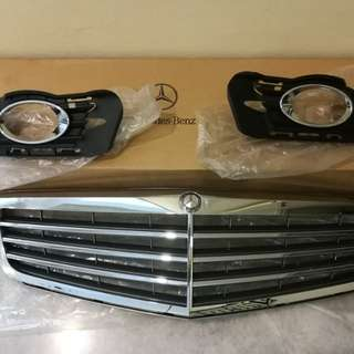 Mercedes Benz W204 grille with fog lamp brackets