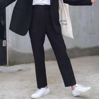 黑色顯瘦煙管褲