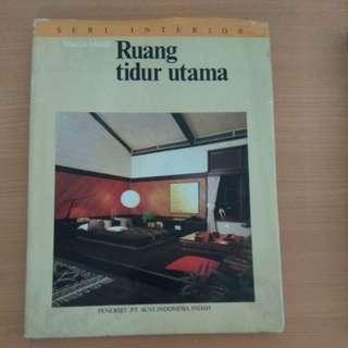 Buku interior