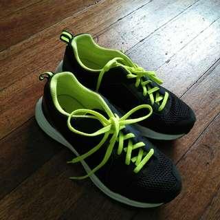 Reebok Zone Cushrun Running Shoes