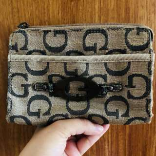 Preloved guess pouch