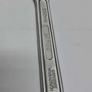 Super Action - 10 inch Adjustable Wrench
