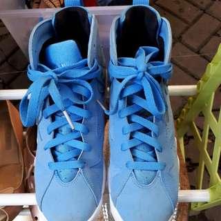 Air Jordan pantone blue