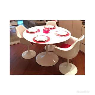 Saarinen inspired dining table set
