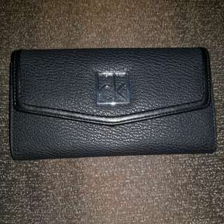 🚚 Authentic Brand New cK wallet [Price Reduced!!!]