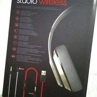 Beats headphone brand new