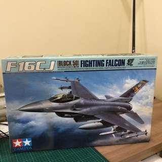 Tamiya f-16CJ falcon model kit
