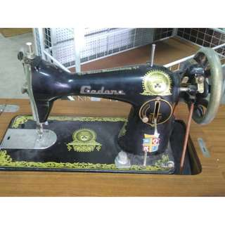 Mesin Jahit Sewing Machine with Stand and Drawers (Brand Gedore) * K83 C