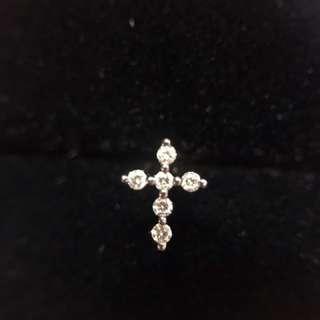 Mabelle 出品18K黑金十字架鑽石單隻耳環
