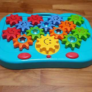 ELC spinning gears and cogs toy