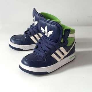 Adidas 3葉 高筒波鞋