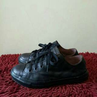 Converse black Leather