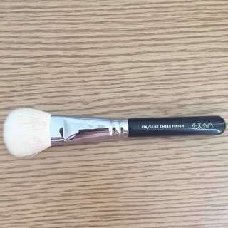Zoeva Brushes 126 Luxe Cheek Finish Makeup Brush Contour Shading