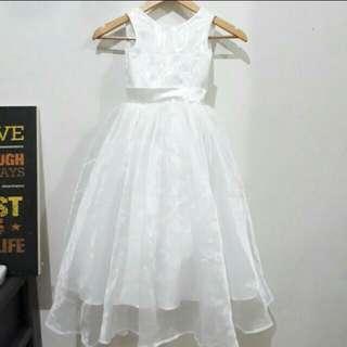 White flower girl gown