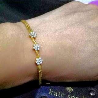 Bracelet with diamonds
