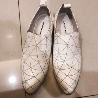 🚚 A fad同款切割真皮幾何紳士鞋