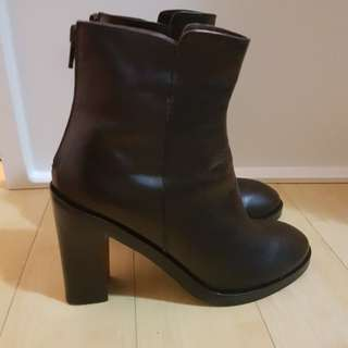 Gioia black leather boots