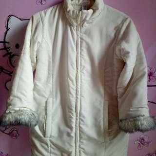 Jaket tebal wanita
