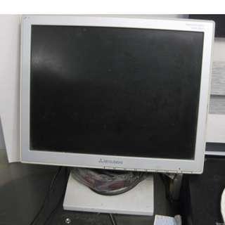MITSUBISHI 15吋--舊電腦MON一個,{當零件賣}