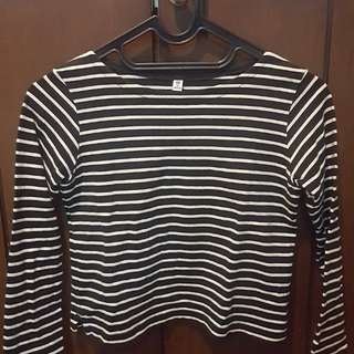 UNIQLO girl t-shirt
