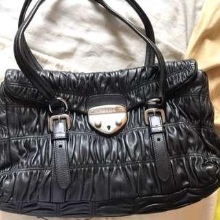 PRADA 黑色小羊皮33cm x 20 cm 手袋