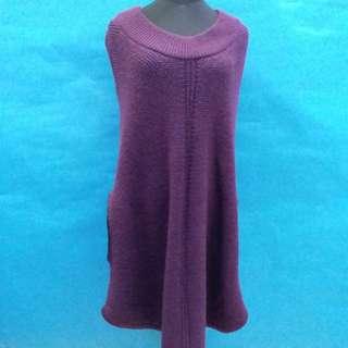 紫色毛冷斗篷衣,減價啦,50元一件,100元三件