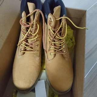 Timberland boots(95 %new)