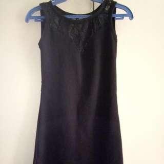 Preloved Backless Seethru Lace Black Mini Dress