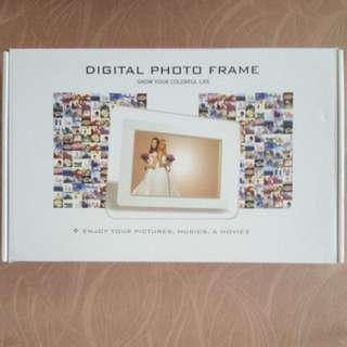 Brand New White Digital Photo Frame