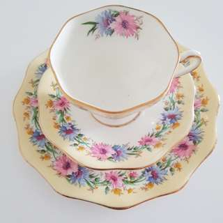 Lovely vintage teacup