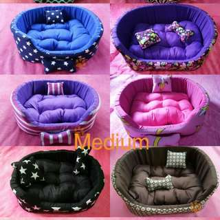 Medium Washable Pet Bed for Cats and Dogs