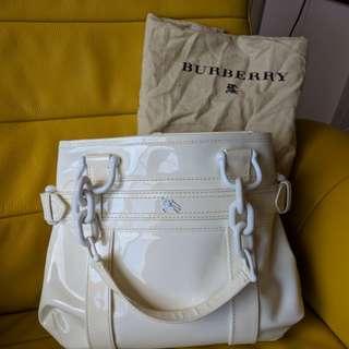 亮皮 名牌Burberry  正品 白皮包