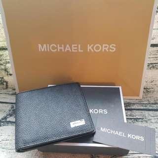 全新MK黑色暗紋銀包 (購自專門店) 連原裝包裝盒及紙袋