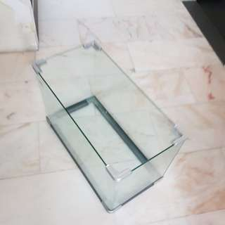 2ft by 1ft curved edges fish tank for sale
