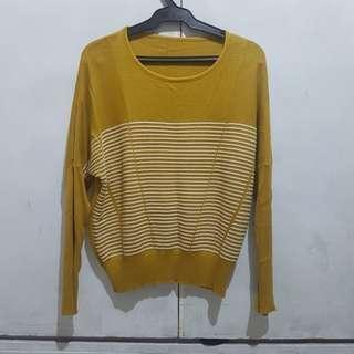 preloved mustard pullover