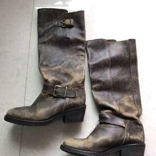 啡色皮靴 35號