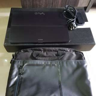 Laptop Sony Vaio SVF14N13SGB (Touchscreen and Flipscreen)