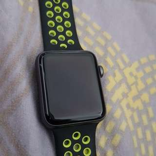 Apple Watch Series 2 Nike Plus Black and Volt